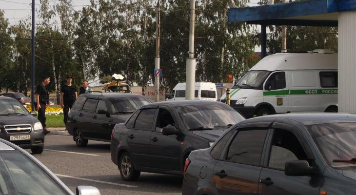 Приставы арестовали у жителя Саранска дорогую иномарку
