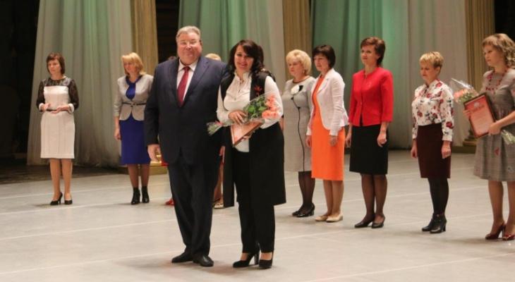 Владимир Волков поздравил педагогическое сообщество Мордовии с Международным Днем учителя