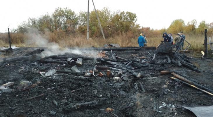 Появились фото со смертельного пожара в Темниковском районе Мордовии