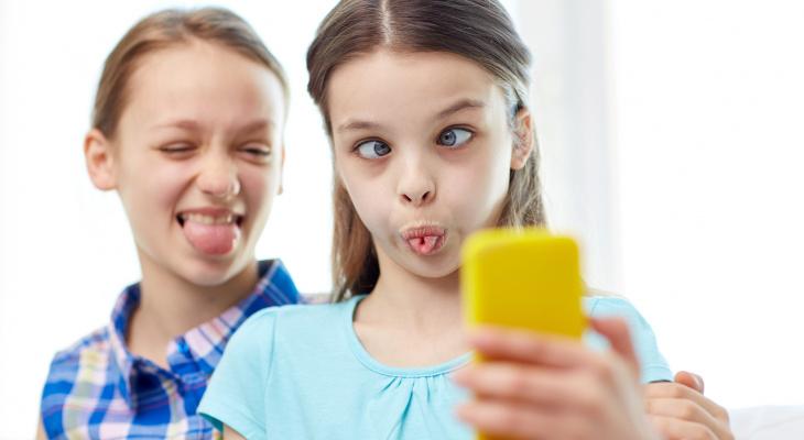 Снова в школу: смартфон для ребенка и другие гаджеты к новому учебному году