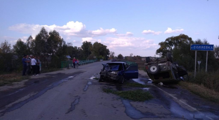 В Мордовии легковушка «протаранила» «УАЗ»: два человека госпитализированы