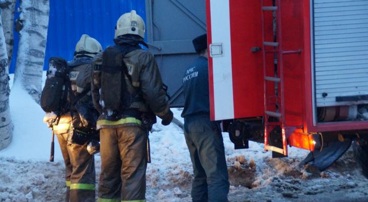 Получил ожоги рук: в Саранске пострадал мужчина во время пожара в гараже