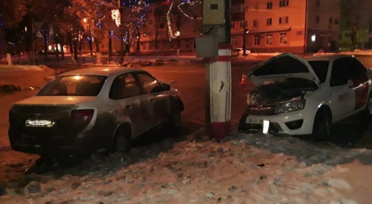 В Саранске столкнулись две «Лады Гранта», пострадали четыре человека