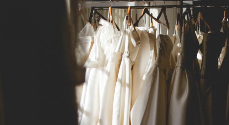 Жительница Мордовии хотела продать свадебное платье, а в итоге оставила отца без денег