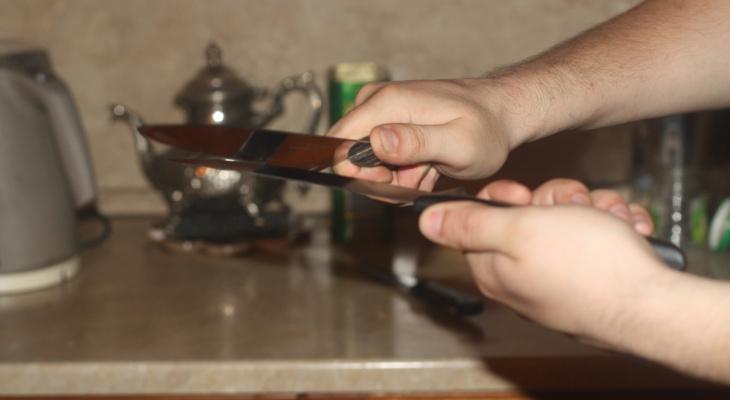 В Саранске горе-внук напал с ножом на бабушку, которая не дала денег на алкоголь