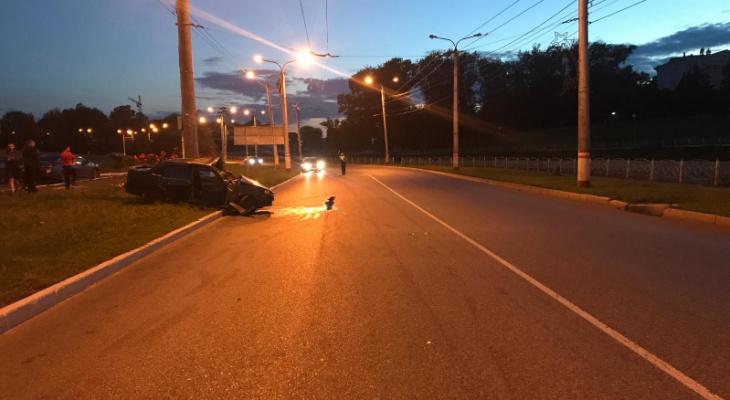 В Саранске легковушка влетала в столб: за 2020 год водитель 24 раза привлекался к ответственности
