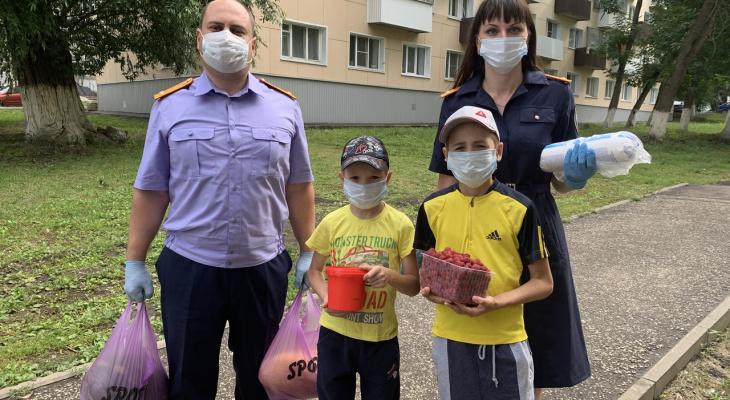 Сотрудники Следкома помогли многодетной семье из Саранска