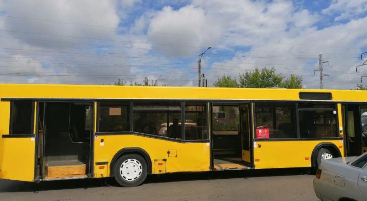 Поездка на автобусе закончилась для пенсионерки из Саранска вызовом «Скорой»