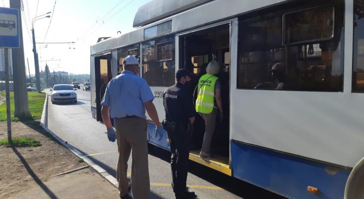 В Саранске следят за соблюдением масочно-перчаточного режима в общественном транспорте