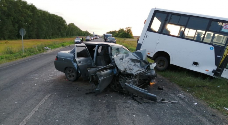 В Мордовии скончался 17-летний парень, пострадавший в жутком ДТП с микроавтобусом