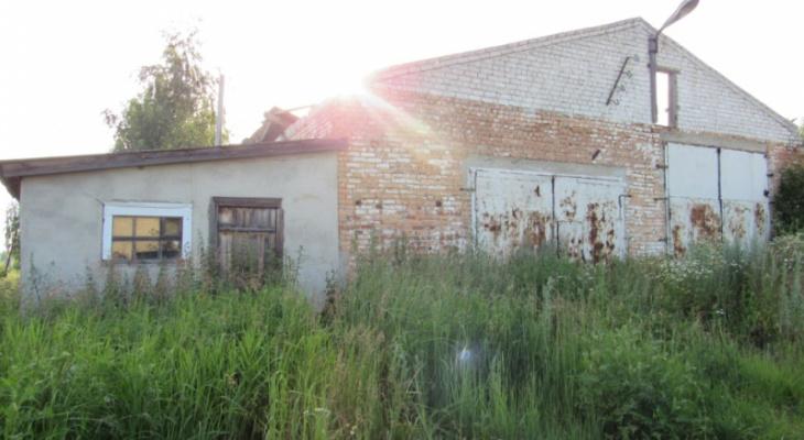 В Мордовии пенсионер семь дней подряд выносил чужую технику со склада