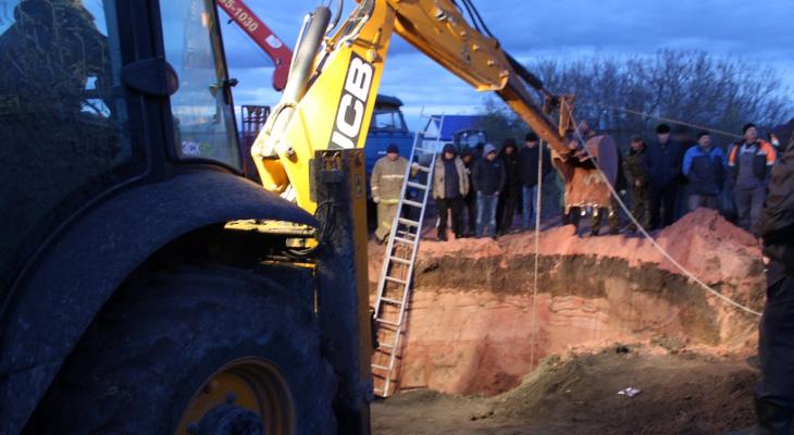В Мордовии мужчину завалило грунтом при копании колодца: следователи проводят проверку