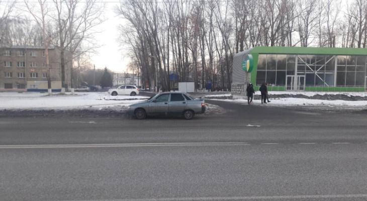 В пригороде Саранска водитель «ВАЗа» сбил пешехода-нарушительницу