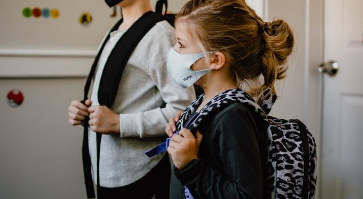 Эксперт рассказала об опасности новой мутации коронавируса для детей