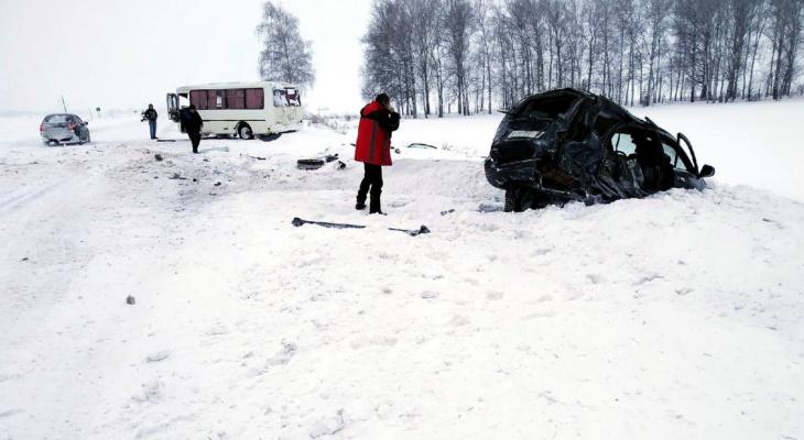 Погибла женщина: подробности о жутком ДТП на трассе в Мордовии