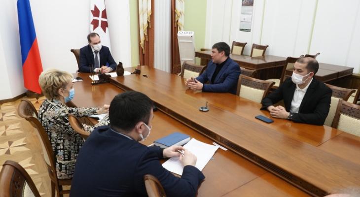 Артем Здунов обсудил взаимодействие в сфере медицинских технологий с представителями компании «Эйдос-Медицина» и «Эвотек-Мирай Геномикс»