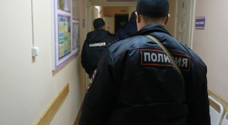 В Саранске в подъезде жилого дома на женщину напал мужчина с ножом