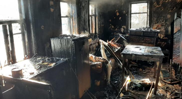 Жительница Мордовии не могла выбраться из горящего дома и получила жуткие ожоги