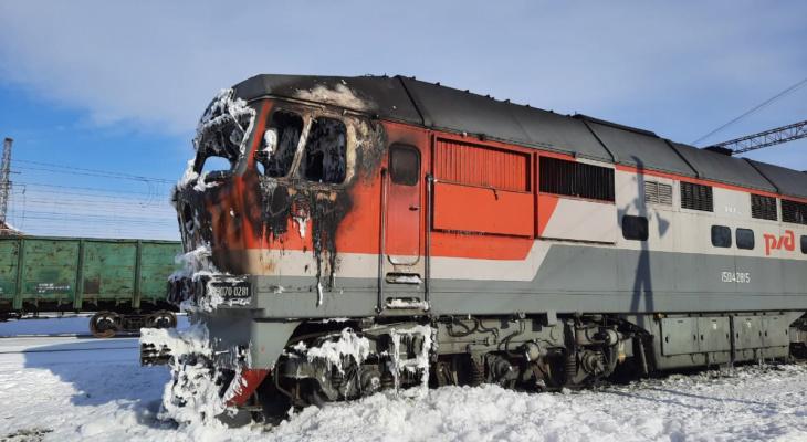 В Мордовии загорелся локомотив