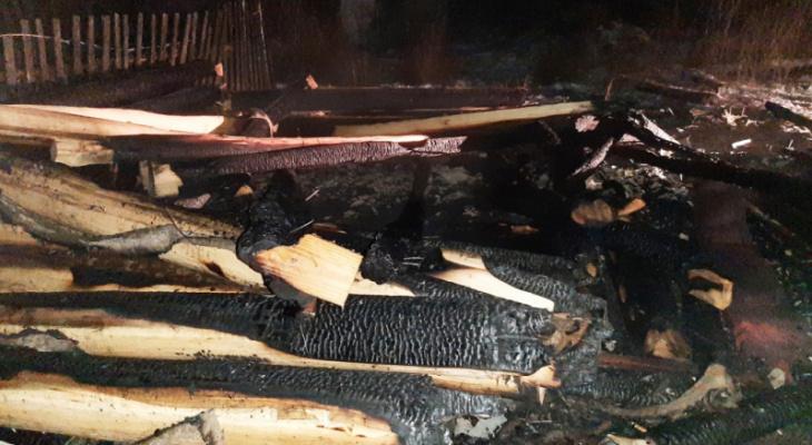 В Рузаевском районе Мордовии местный житель после ссоры с братом поджег его баню