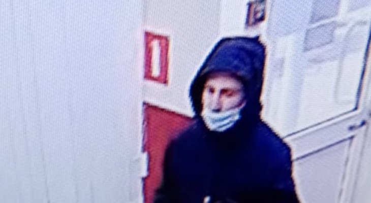 Камера наблюдения сняла разбойное нападение на офис микрозаймов в Мордовии 31 мая