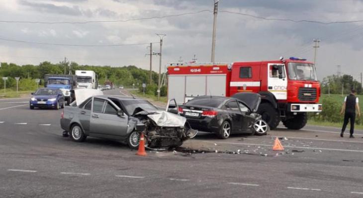 В Саранске в ДТП с участием двух автомобилей пострадала девушка
