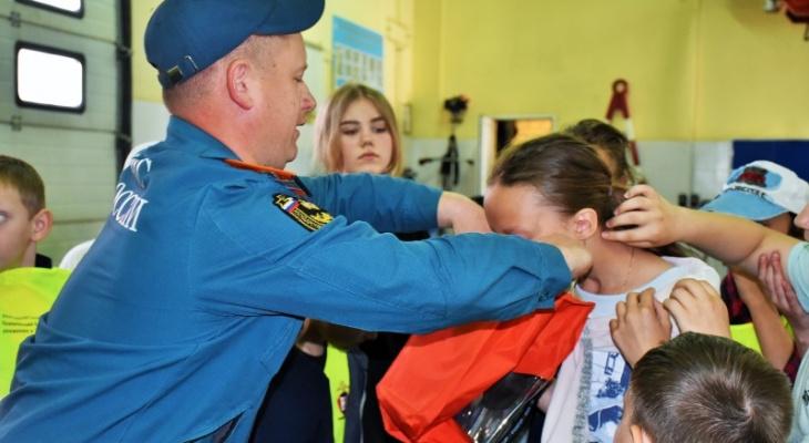 В Саранске школьники побывали в пожарной части