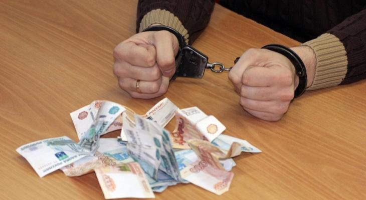 Задержали начальника отдела администрации Ковылкинского района, который нажился на ремонте парка