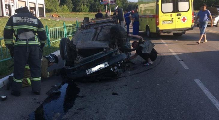 На улице Победы в Саранске пьяный водитель без прав устроил тройное ДТП с пострадавшими