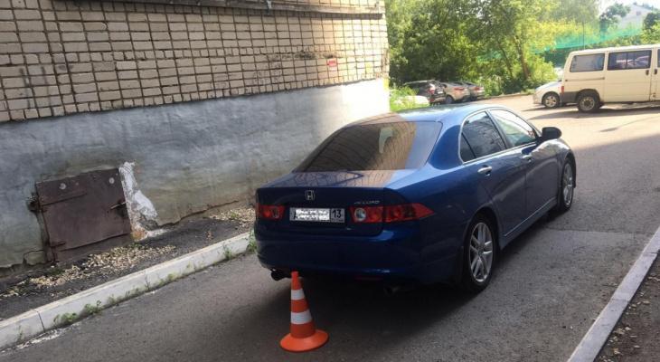 Невнимательный водитель в Саранске совершил наезд на двух пенсионерок