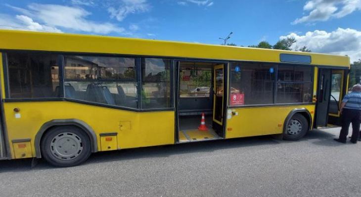 В Саранске 78-летняя пассажирка получила травмы в салоне автобуса во время торможения