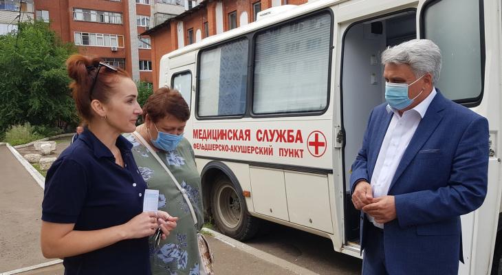 «Люди, вакцинироваться надо!»: Мэр Саранска посетил мобильные пункты вакцинации