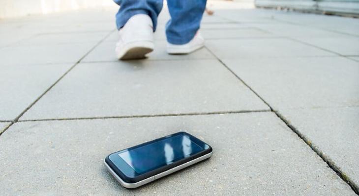 Полицейские Мордовии рассказали, что делать с найденным чужим смартфоном