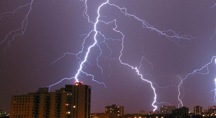 В Мордовии объявили оперативное предупреждение из-за надвигающейся грозы