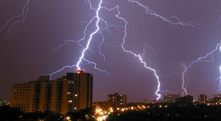 В Мордовии на 30 июля МЧС объявило оперативное предупреждение из-за грозы
