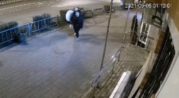 В Саранске неизвестные украли рекламный штендер на проспекте Ленина