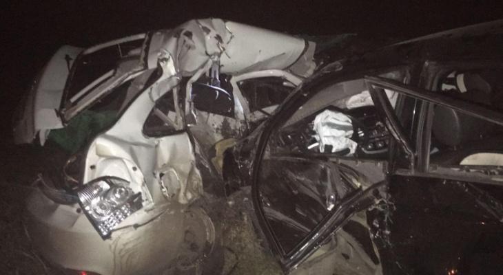 В Мордовии «лоб в лоб» столкнулись «Приора» и «Лифан»: есть погибший