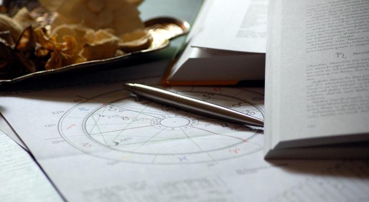 Гороскоп на 12 октября: астрологи рассказали, что нас ждет